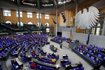 В Бундестаге заявили о моральном долге Германии перед Россией Мир