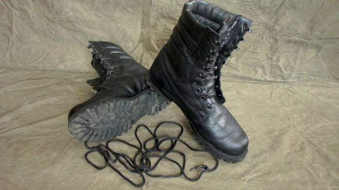 Армейские лайфхаки для обуви, которые помогают и на гражданке обувь, только, будет, шнурки, Армия, разом, время, лишнее, тратить, небольшие, любит, полезно, концах, завязать, достаточно, люверсов, продевая, слякоти, петлиЗащитить, можно