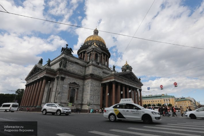 Петербургские депутаты попросили отменить передачу Исаакия РПЦ
