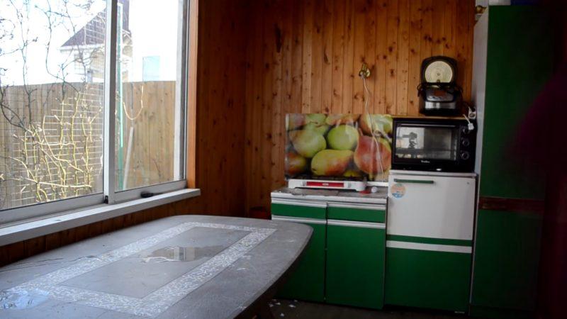 Как преобразить кухню всего за 2400 рублей