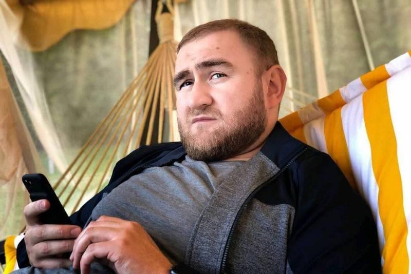 Скандально известного сенатора Арашукова могут признать невменяемым