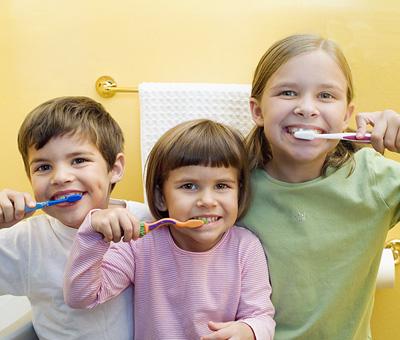 Здоровые зубки. Как правильно выбрать детскую зубную щётку