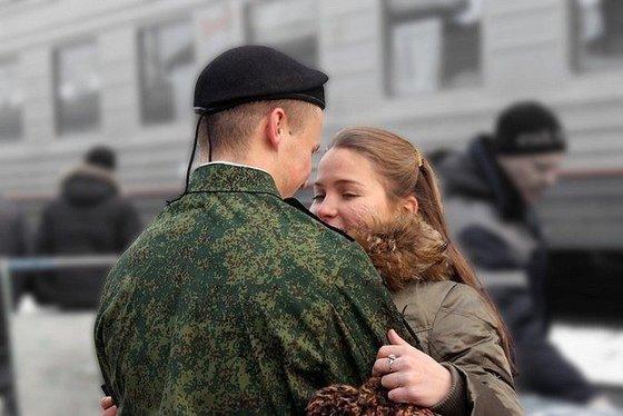 """Россияне уверены: """"Не служил…"""
