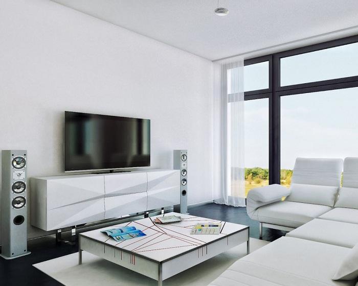 Панорамное окно в квартире не загромождайте мебелью и не завешивайте плотными портьерами. | Фото: womanadvice.ru.