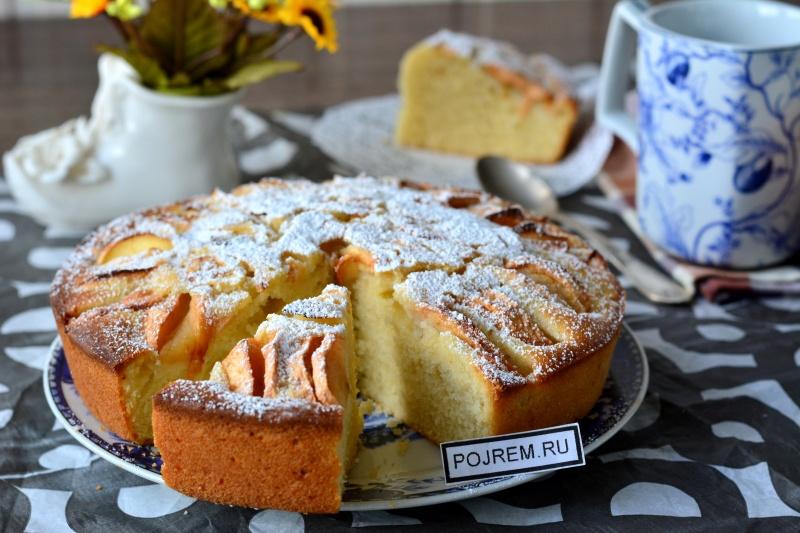 Вкусные пирог с яблоками на быструю руку