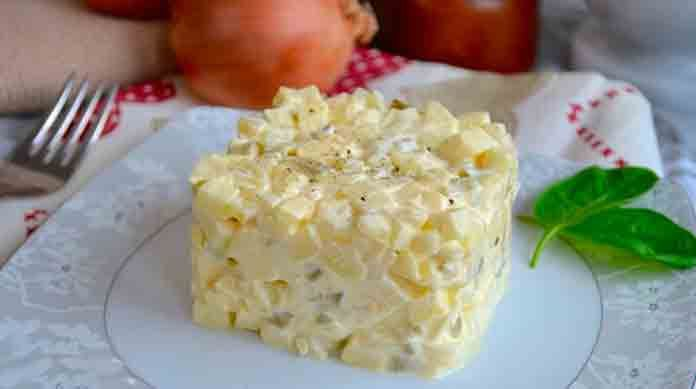 Аппетитный польский луковой салат, тебе стоит это приготовить