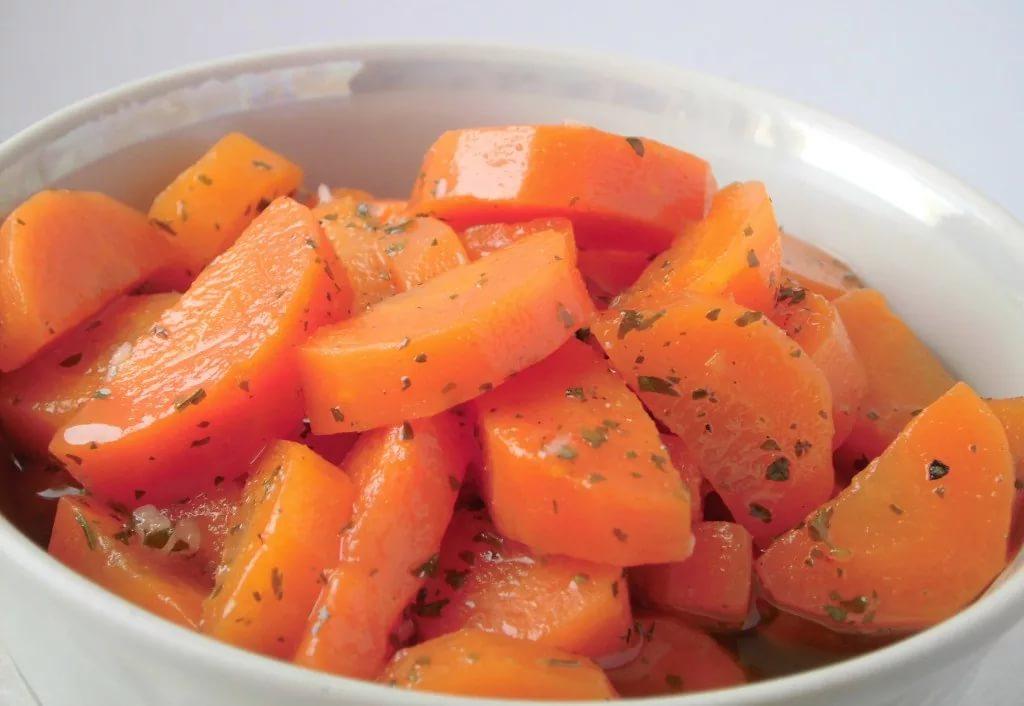 Пикантная маринованная морковь