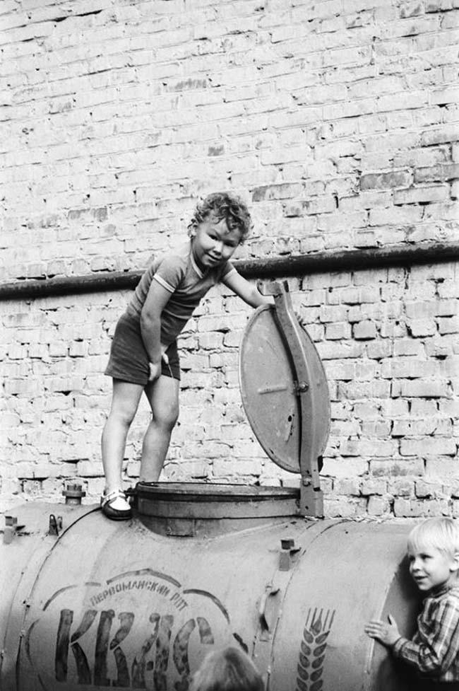 Мальчик и бочка с квасом, 1980–е годы, Ижевск история, события, фото