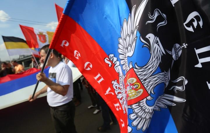 Порошенко теряет контроль. Мариуполь и Дзержинск выбирают ДНР, на Западе идут бои