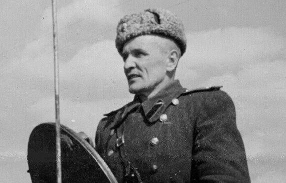Бой Зиновия Колобанова: историки спорят о звезде Героя для лейтенанта, подбившего 22 танка