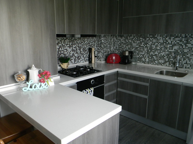Я нарисовала свою кухню такой, какой сейчас вижу каждый день