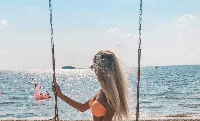 В купальнике на берег: изобретательные фотографии девушек, которые в этом году не доехали до моря Культура