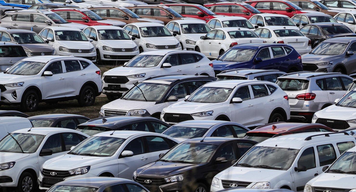 Импорт легковых машин в Россию в первом полугодии увеличился на 86% Автомобили