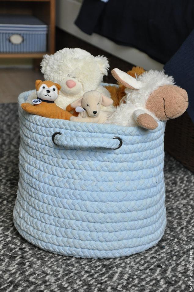 Создаем корзину для игрушек и не только