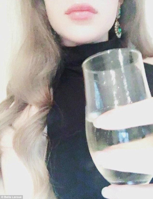 Откровения элитной проститутки: чего хотят мужчины и почему она ушла из скучного офиса в эскорт