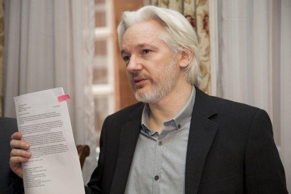 Создатель WikiLeaks Ассанж р…