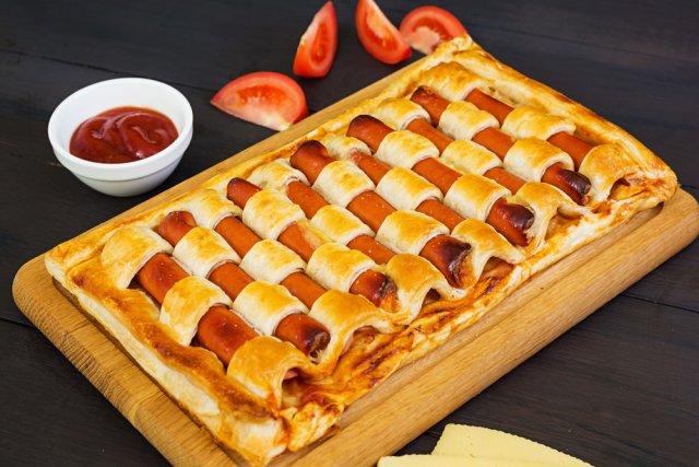 Необычные и быстрые блюда из сосисок сосисок, сосиски, полоски, пирог, сосиску, духовку, каждой, нечетные, минут, вверх, теста, сосисками, каждую, 180°С, спагетти, чтобы, блюдо, накройте, четные, терке