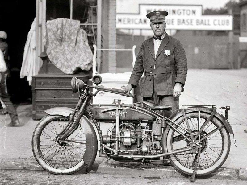 Мотоциклисты на снимках американских фотографов первой половины ХХ-го века