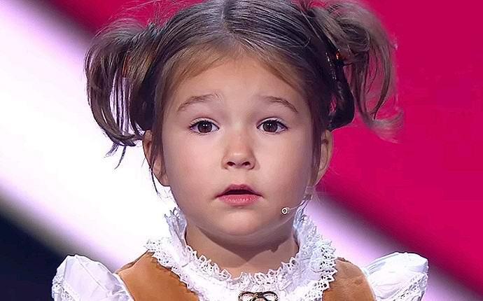 Четырехлетняя россиянка гово…