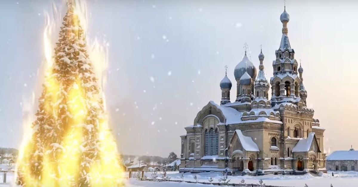 В новогоднем поздравлении от студии Артемия Лебедева ель поругалась с церковью