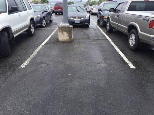 2. Столб припарковался parking, авто, дебилизм, машины, парковка, смешно, ужасная парковка, фото