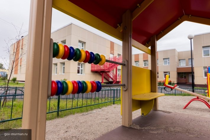 В Пскове на ремонт дворов направят около 100 млн рублей