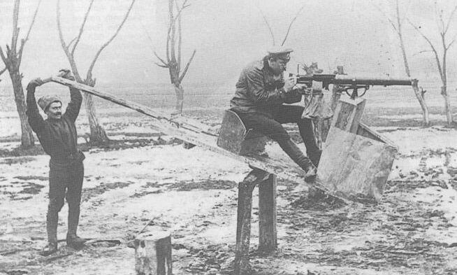 Тренажёр для стрельбы из авиационного пулемёта, 1914 год 19 век, жизнь до революции, редкие фотографии, снимки, фотографии, царская россия