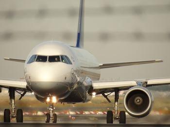 У самолета, летевшего в Хельсинки, в воздухе отказал один из двигателей