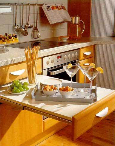Практичные идеи, как обустроить маленькую кухню