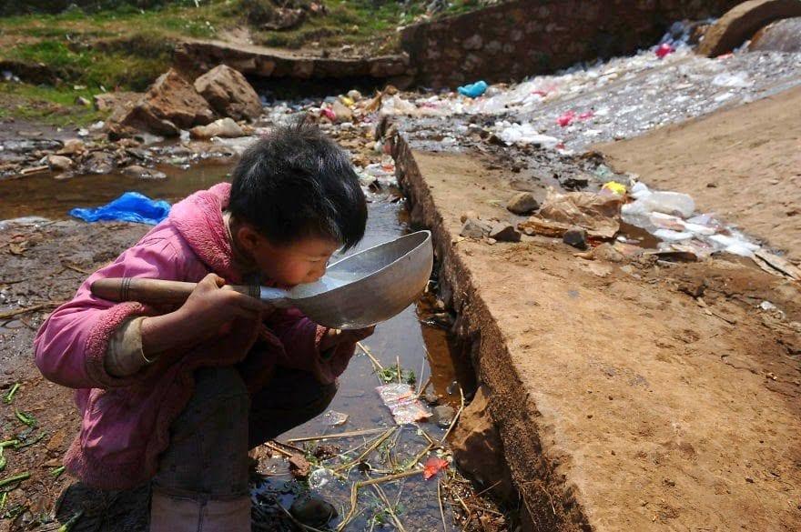 По последним подсчетам, на Земле почти 7,6 миллиардов человек, каждый из которых производит примерно 2 кг мусора