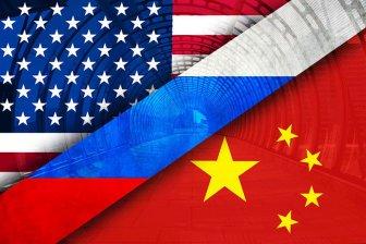 Стариков: Российский рубль падает из-за конфронтации США и Китая