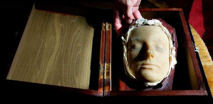 Одна из самых известных казней женщин королевской крови —  Мария Стюарт