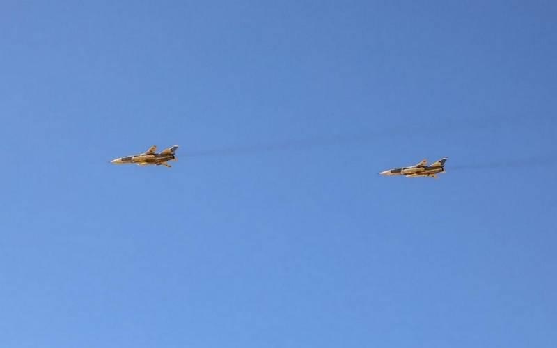 В Ливии впервые показали «российские» бомбардировщики Су-24 бомбардировщиков, Су24М, Пентагона, Ливию, соцсетях, Штатов, собирался, Кремль, информации, «российских, переброске, сообщило, Африканское, Соединенных, командование, военную, войны, гражданской, позже, уничтожены
