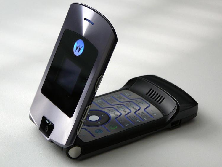 Реинкарнация Motorola RAZR со складным экраном будет продаваться за 1500 долларов