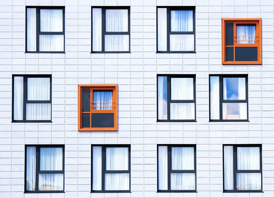Белые пластиковые окна: мнение архитектора
