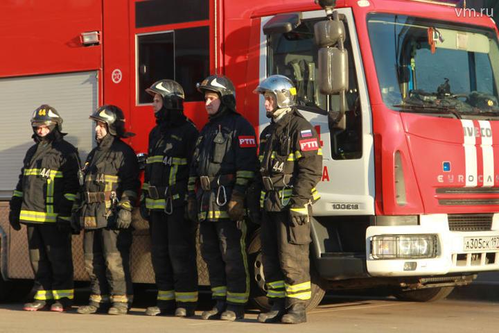 Пожарным удалось спасти троих человек в Останкинском районе столицы