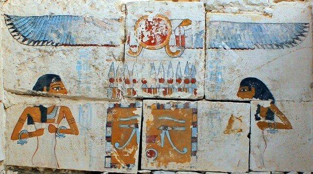 Погребальная камера – стена с изображением богинь Нейт и Нут, защищающих вечный сон фараона археология, древний египет, интересно, история, наука
