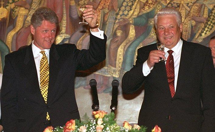 Еще двадцать лет назад русские любили США. Что изменилось?