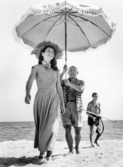 Пабло Пикассо и Франсуаза Жило, 1948. Фото, Роберт Капа.