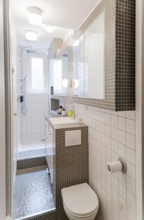 Современный интерьер ванной комнаты, в котором каждая деталь выглядит как произведение искусства.