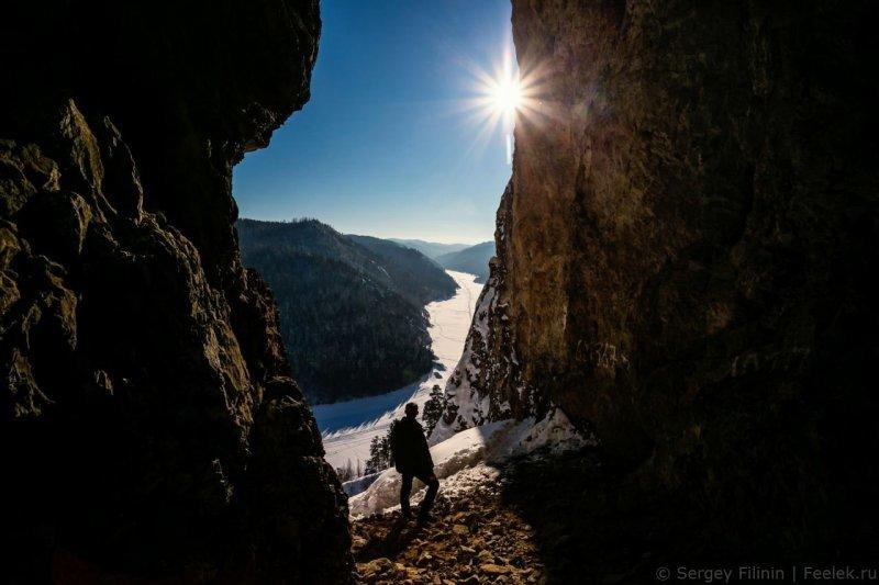 Это пещера, которая тоже называется Козыреевская. Красноярский край, высота, гора, красноярск, пейзаж, пещера, природа, фото