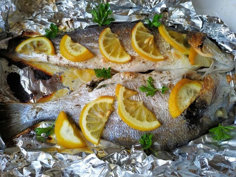 Так можно готовить любую рыбу, а у меня 2 в 1  рыбные блюда