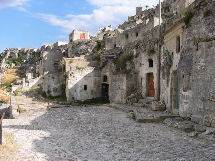 Матера признана старейшим поселением в Италии и, возможно, даже самым старым обитаемым городом всей Европе.