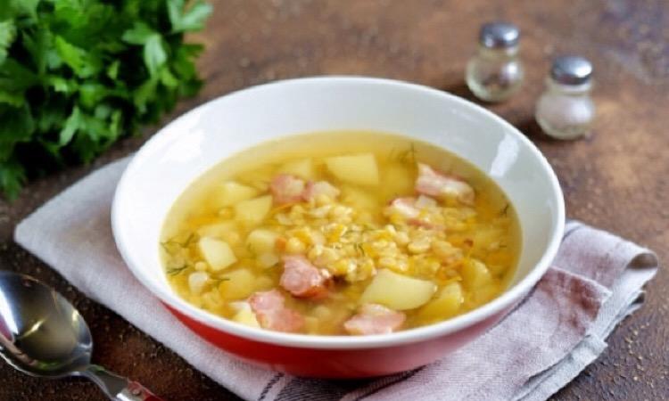 Потрясающий гороховый суп со свиными ребрышками