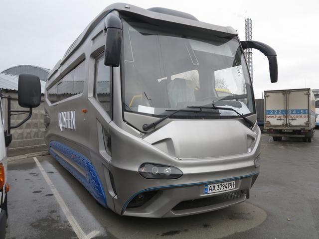 Под космической внешностью скрывается автобус ATAMAN A096