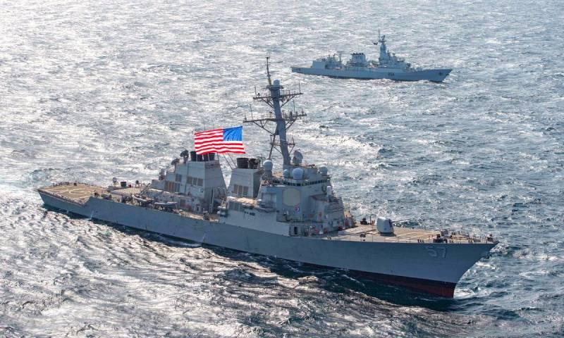 Россияне отреагировали на вторжение эсминца США в территориальные воды РФ Общество