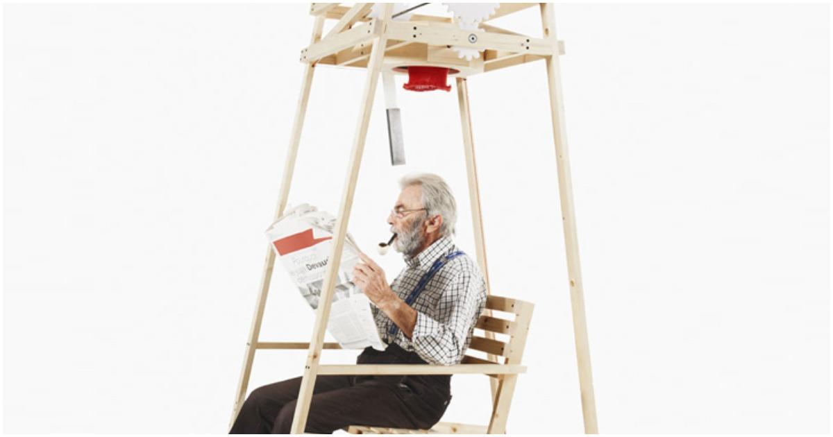Теперь вы можете вязать шапки…. качаясь в кресле и читая газету