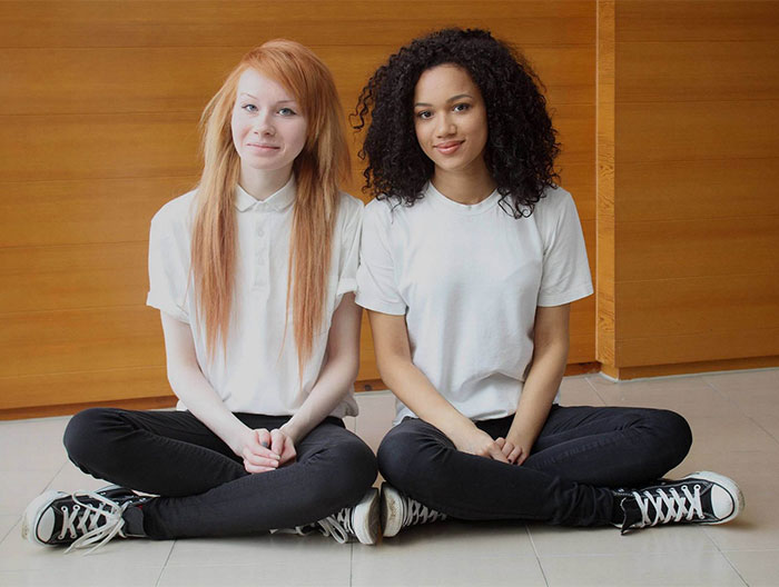Разноцветные сёстры-близнецы выросли! Им уже по 22 года, и они настоящие красавицы! Женщины,интересное,красота