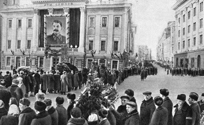 National Review : Сталин умирает вновь