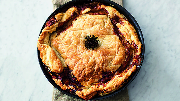 Пирог с курицей: рецепт от ш…